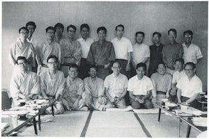 1968年水上合宿にて 故鈴木安蔵代表と参加者たち